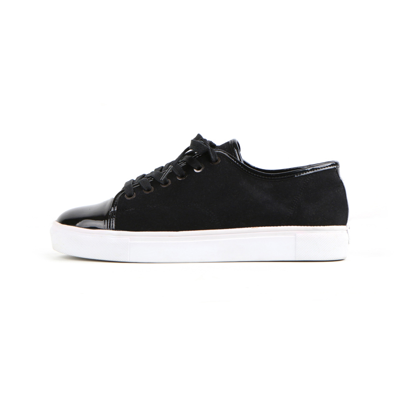 JG Black Pearl Sneakers